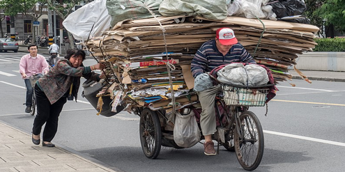 Transport von Recycling-Abfall in Shanghai