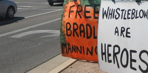 Whistle Blowing Bradley Manning Wikileaks