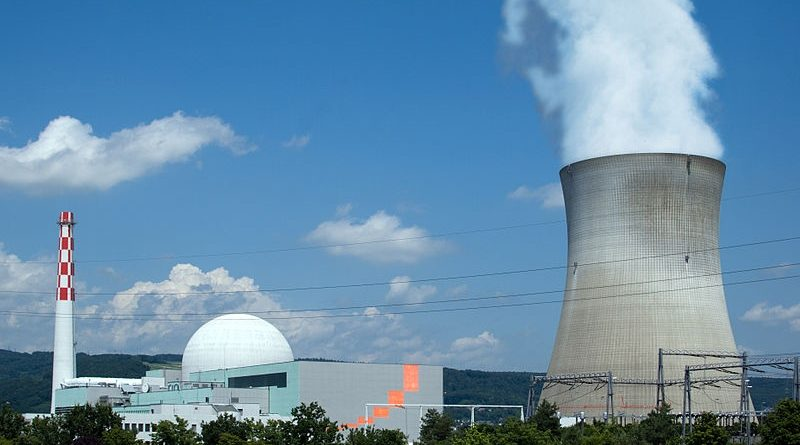 Atomkraftwerk_Leibstadt-1
