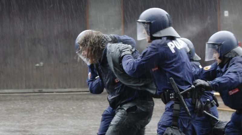 Festnahme_durch_Polizei3-1
