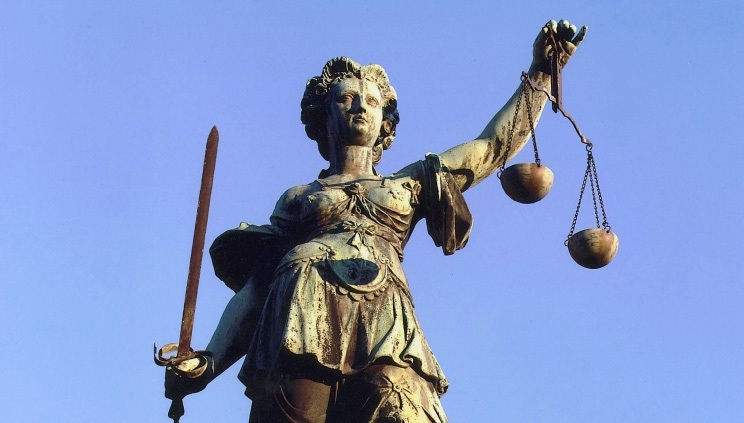 Justitia_Frankfurt_am_Main1