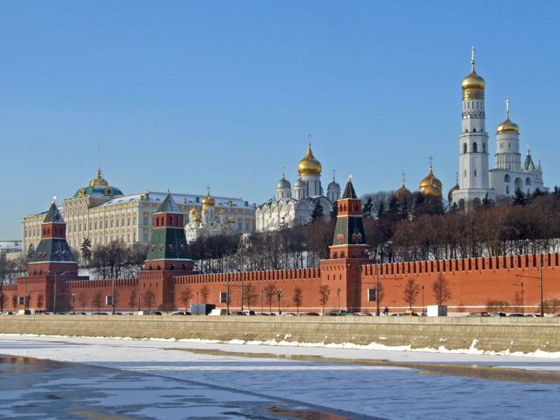 kreml_moskau_winter_800