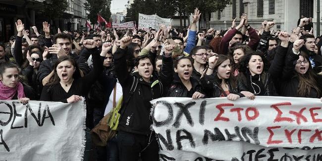 ProtesteGriechenl_Front