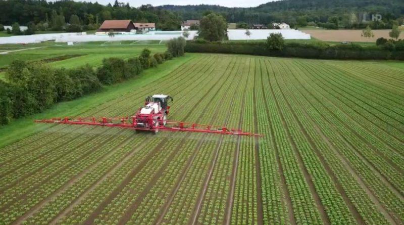 PestizideinsatzaufFeld