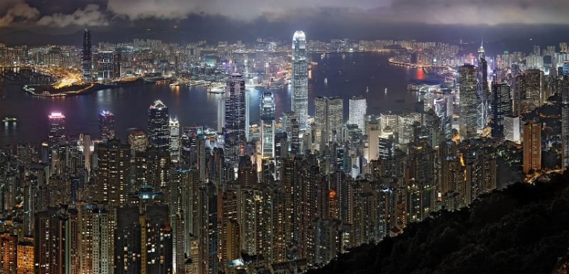 Hong_Kong_Night_Skyline_nonHDR