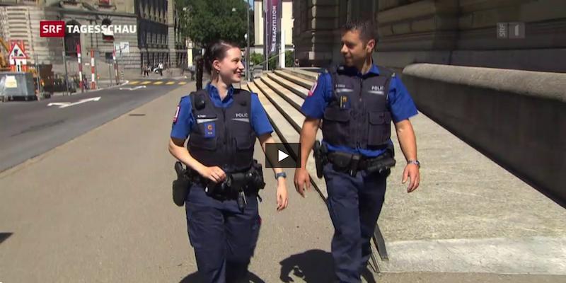 Polizeiuniformen_SRF