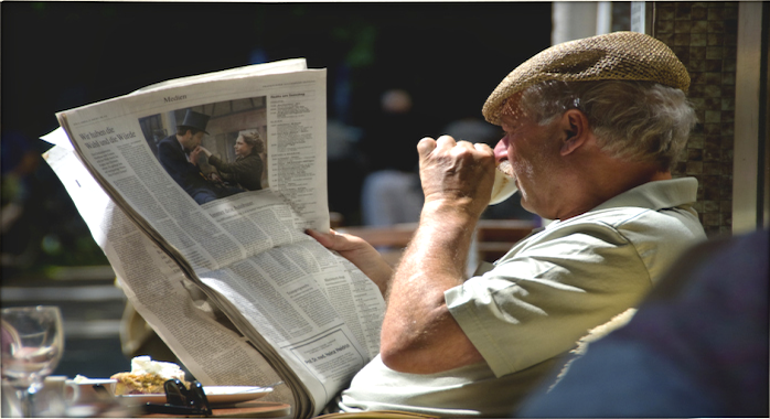 Zeitunglesen_ralfpfeifferKopie