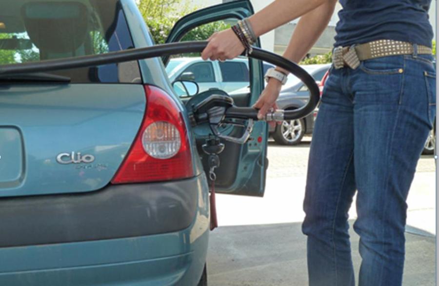FrautanktAutoAufhngerbildEnergieanalyse