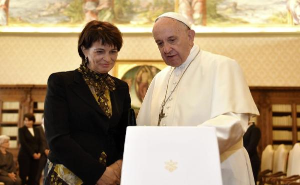 Leuthard_Papst_Front