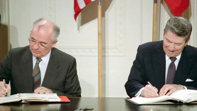 Gorbatschofw_und_Reagan