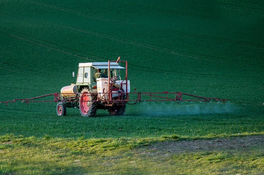 pesticide4089881_1280