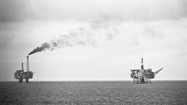 Oil_platforms_bravoalphanorth_atlantic