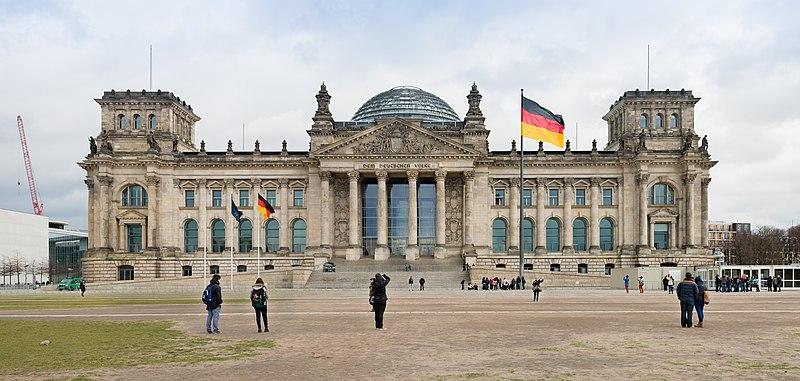 800pxBundestag_Deutschland_Reichstagsgebude_Berlin_Panorama