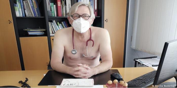 NackterHausarzt_BlankeBedenkenKopie