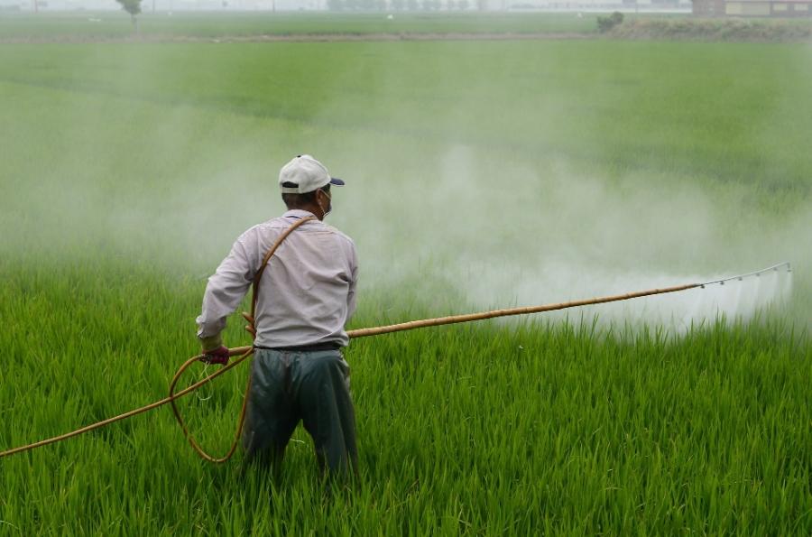 herbicide587589_1920