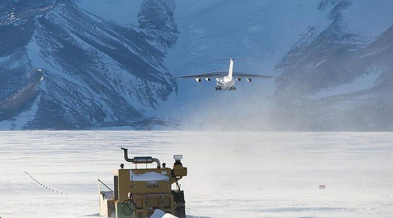 Antarctica_11280897753