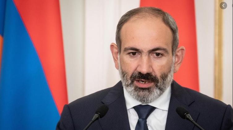 Armenischer-Regierungschef-deutschlandfunk-1