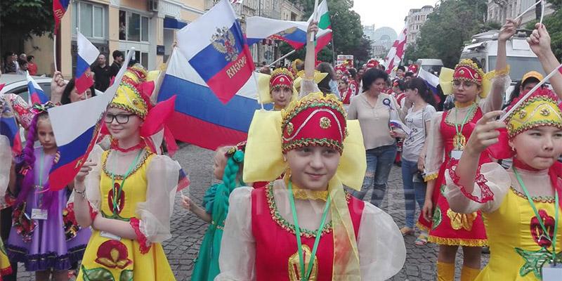 Russische Flaggen_A