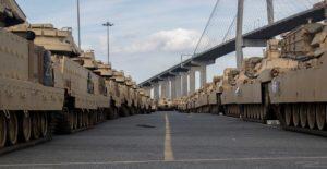 US-Panzer vor dem Verlad in Giorgia