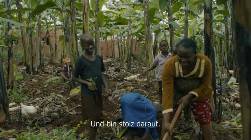 Malaria Mutter pllanzt Artemisia