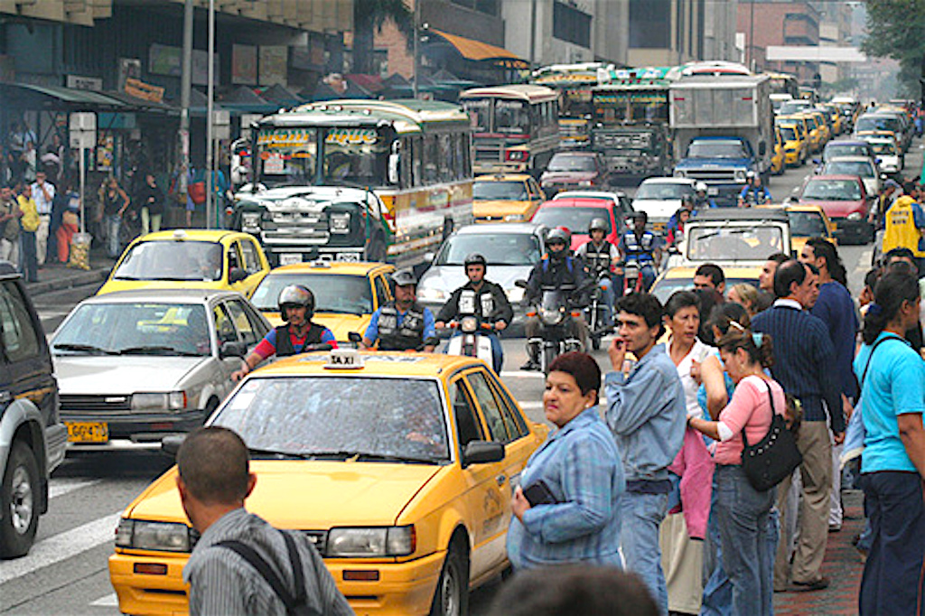Medellin-Traffic-1024x640